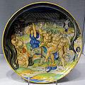Urbino, nicola da urbino, coppa con sileno ebbro, 1520-25 ca. stemma di isabella d'este.JPG