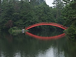 Ushinuma pond and Horai bridge in Yokote Park.jpg