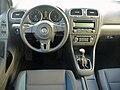 VW Golf VI 1.2 TSI Team Monosilber Interieur.JPG