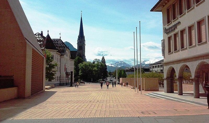 File:Vaduz-Liechtenstein - panoramio.jpg