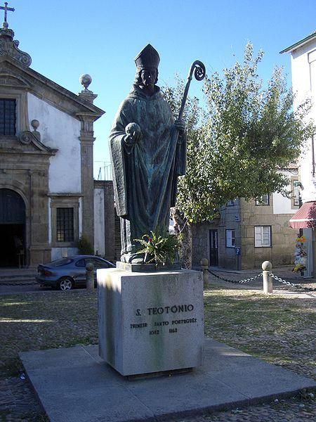 Ficheiro:Valença - Estátua de S Teotónio.jpg