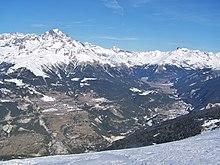 Vallée de Haute-Maurienne vue depuis le haut de station de ski de la Norma