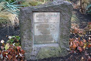 Vanport, Oregon - Vanport College plaque near Lincoln Hall at Portland State University