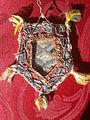 Venerable madre Sor María de Jesús de Ágreda. Reverso del relicario conteniendo reliquias.jpg