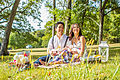 Vietnamese male and female having a picnic 07.jpg