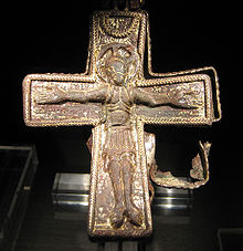 Viking age christian cross found in Lund sweden.jpg