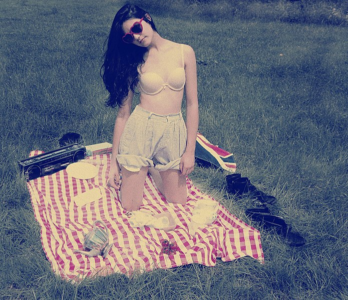 File:Vintage-Look Lolita.jpg