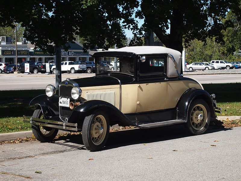File:Vintage auto - Early American.jpg