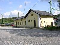 Vyšší Brod klášter, nádraží, z ulice.jpg