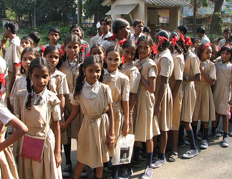 File:Young students, Mumbai.jpg