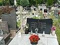 Zabytkowe groby na cmentarzu w Jazgarzewie 7.jpg
