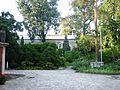 Zabytkowy zespół klasztorny urszulanek w Tarnowie, ogród i dziedziniec klasztorny, ul. Bema (-) 1 pavw.JPG