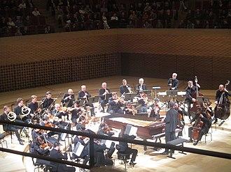 Christian Zacharias - Christian Zacharias conducts Insula orchestra in La Seine Musicale.