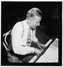 (Portrait of Stan Kenton, New York, N.Y.(?), ca. Jan. 1947) (LOC) (5019798027).jpg