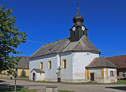 Člunek, church.jpg