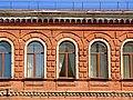 Дом жилой (фрагмент фасада) Курск ул. Добролюбова 4 (фото 1).jpg