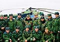 Перед взлетом, герой России генерал-майор Шаманов В.А. с офицерами группировки, Ханкала.jpg