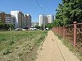 Тропинка между школами №1902 и №1903 (по направлению во двор д. Новомарьинская, 3-3) - panoramio.jpg