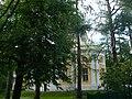 Церковь в Льялово. Вид со стороны братской могилы советских воинов.jpg