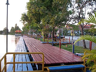Khlong Samrong Canal in central Thailand