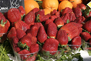 English: Strawberry Deutsch: Erdbeere Italiano...