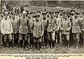 1914 Robert Sennecke Kriegsfotografie Zeitungsdruck General von Emmich im Kreise seiner Offiziere.jpg