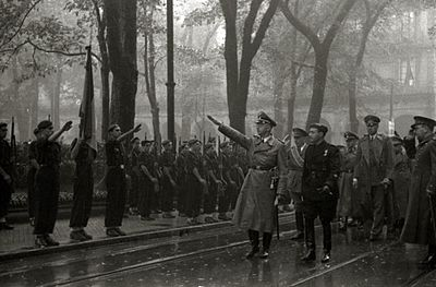 1940 Himmler in Gipuzkoa plaza.jpg