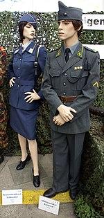 http://upload.wikimedia.org/wikipedia/commons/thumb/1/19/1972_Musik_Kpl_uniform.jpg/150px-1972_Musik_Kpl_uniform.jpg