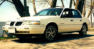 Pontiac Grand Am - 1991 sedan
