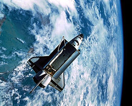 1993 s51 IMAX view of Discovery from Spas.JPG