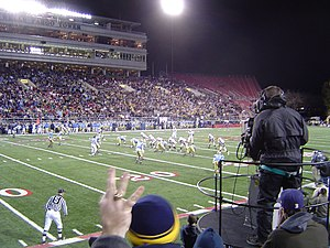 Wyoming Cowboys football - Image: 2004LVBowl