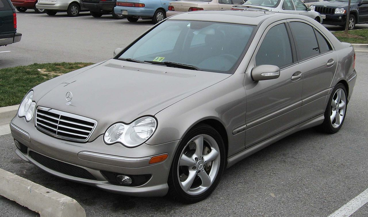 File 2005 2007 mercedes benz c wikimedia commons for 2005 mercedes benz c class