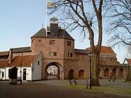 2007-03-11 13.31 Harderwijk, stadspoort aan kant van Veluwemeer foto1