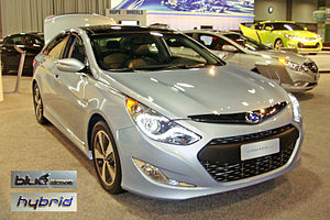 English: 2011 Hyundai Sonata Hybrid exhibited ...