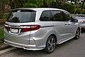 2014 Honda Odyssey (MY14) VTi-L van (2015-08-07) 02.jpg