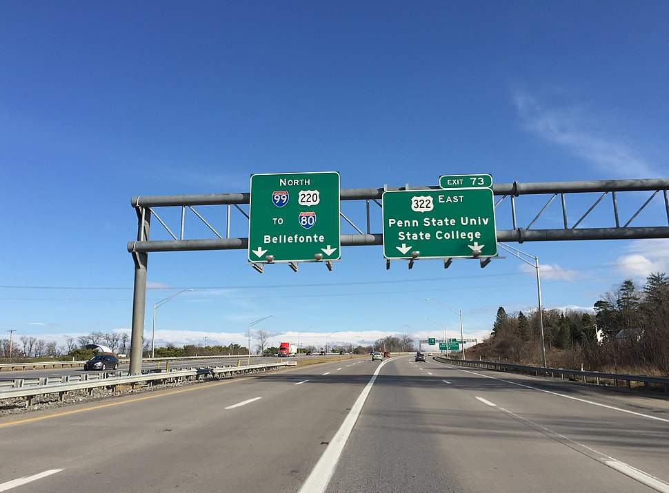 2015-12-14 12 41 37 View north along Interstate 99 and U.S. Route 220 at Exit 73 (East U.S. Route 322, Penn State University, State College) in College Township, Pennsylvania