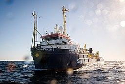 [Foto: Schiff Sea-Watch 3 patrouilliert im zentralen Mittelmeerraum]