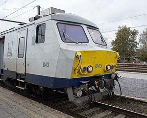 Janney coupler - Renovated NMBS/SNCB class 80 of the SNCB showing the Henricot coupler