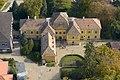A Nedeczky-kastély főbejárata magasból fényképezve.jpg