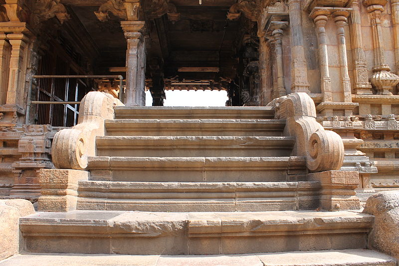 File:A woderful stone steps of Murugan Temple inside the Big Temple.JPG