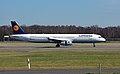 Airbus A321-200 (D-AIDM) 01.jpg