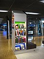 Airport Library - Schiphol -april 2011- (5633744958).jpg
