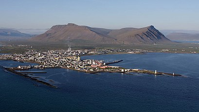 How to get to Akranes with public transit - About the place