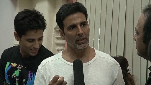 Akshay Kumar and Siddharth Malhotra with suresh sharma