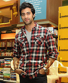 Akshay Oberoi at book launch1.jpg
