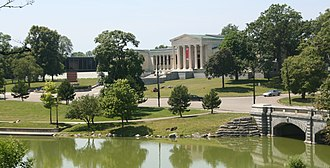 Delaware Park–Front Park System - Hoyt Lake in Delaware Park, with the Albright-Knox Art Gallery.
