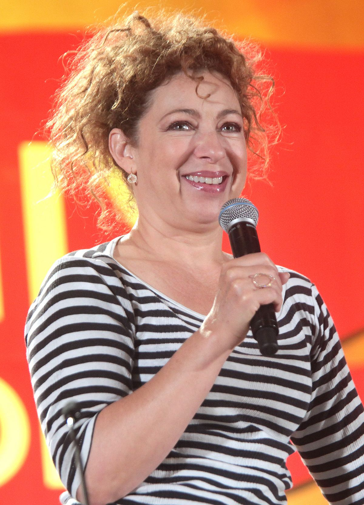 Alex Kingston - Wikipe...