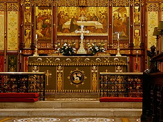 St Peter's Church, Bolton - Image: Altar and Reredos, Bolton Parish Church