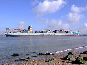 Arthur Maersk pic10 approaching Port of Rotterdam, Holland 08-Mar-2007.jpg