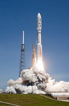 Atlas V 551 launch with Juno.jpg
